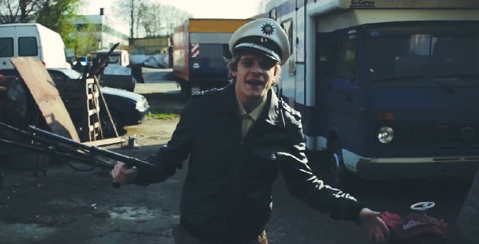 Gold Roger – All Cops Are Babos (Video)